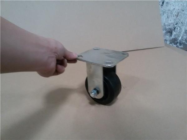 冷柜脚轮的an装fang法